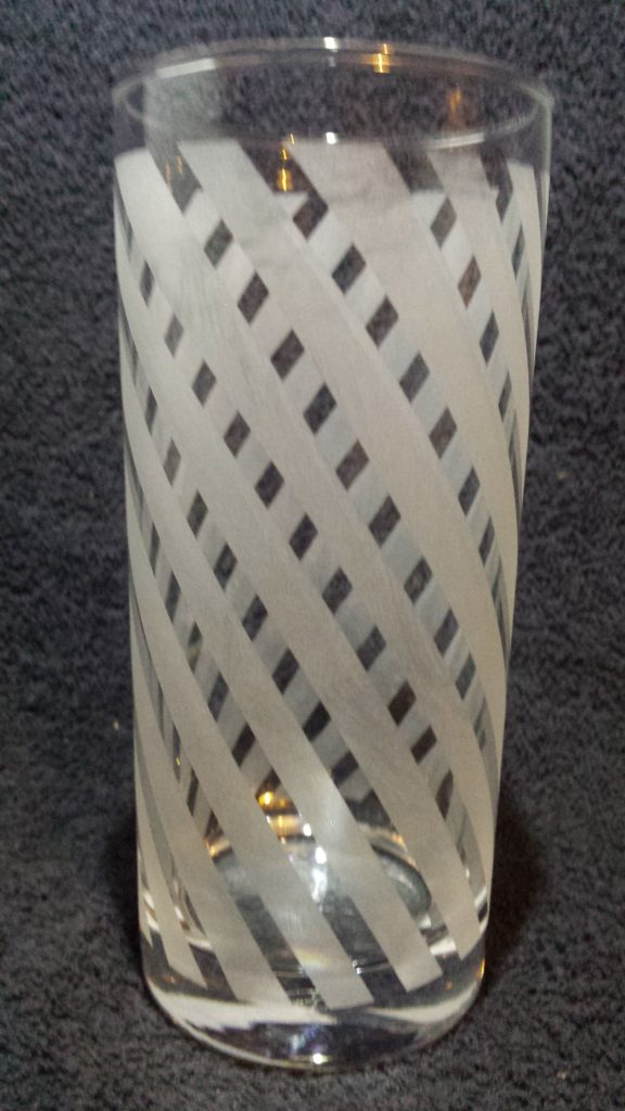 Hiball tumbler with etched spiral stripes